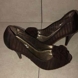 Peep toe stilettos brown size 8